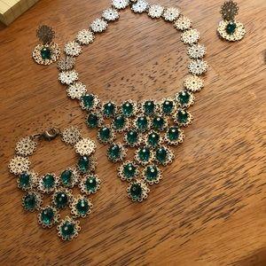 Jewelry - Set Necklace, bracelets, earrings